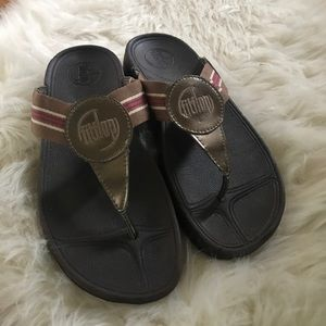 Fitflop brown woven striped strap sandals size 8